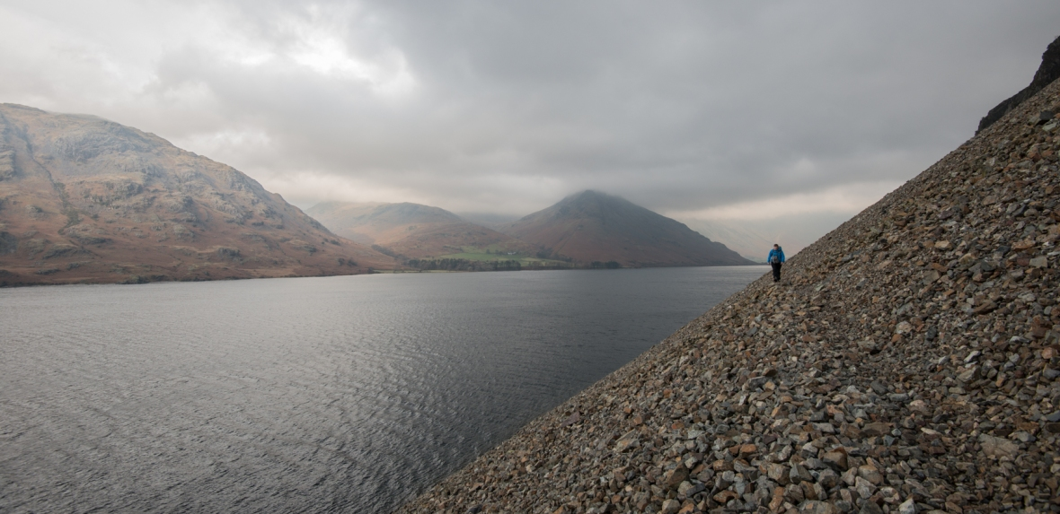 Walking to the Wasdale Oak along the screes