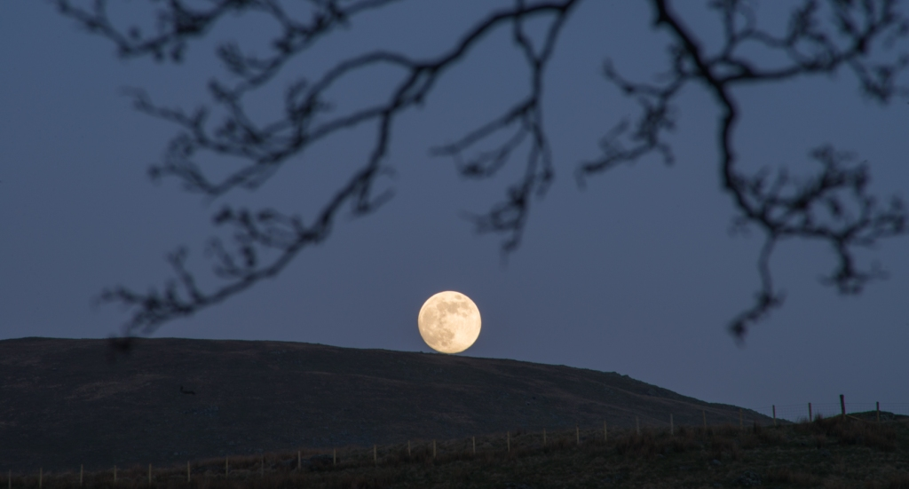 Moon rising in Troutbeck Valley
